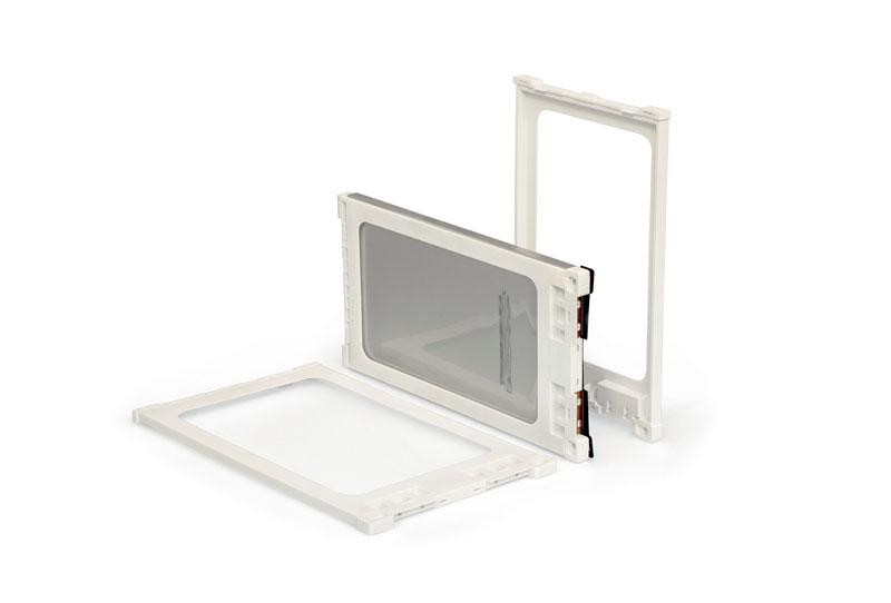 1. Contenitori di celle di tipo pouch realizzati da CRP Technology in stampa 3D professionale e Windform® FR2 per pacco batteria prototipale per il cliente Energica Motor Company.