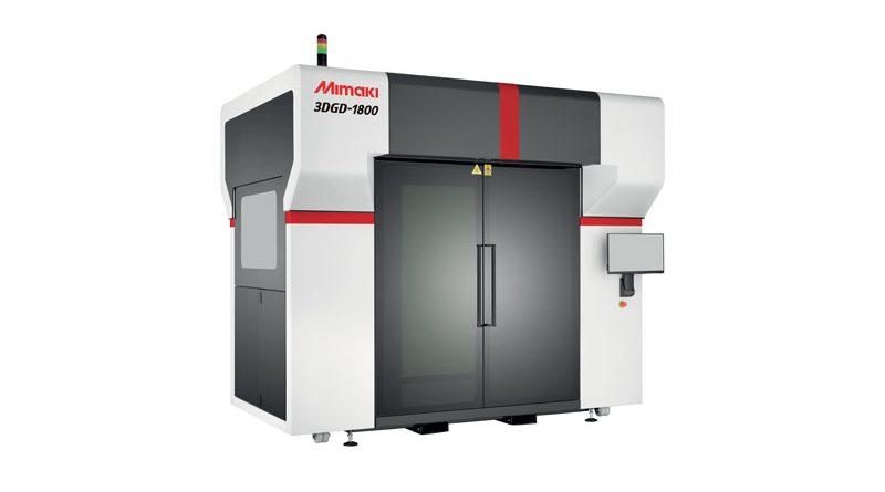La nuova stampante Mimaki 3DGD-1800 è in grado di produrre oggetti fino a un'altezza di 1,8 m in sole sette ore.