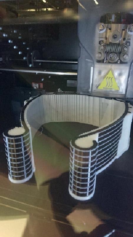 Sandvik Coromant ha sviluppato una nuova tecnica di modellazione che permette alle stampanti 3D di riconoscere una pila di visiere protettive sovrapposte come un unico file CAD solido.