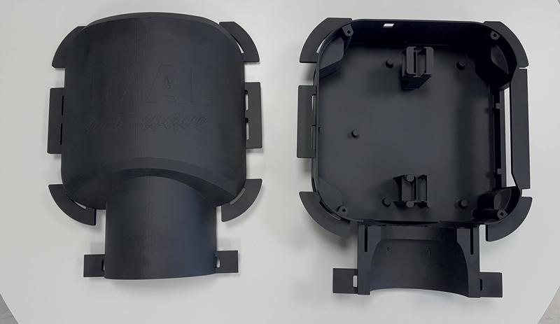 La scatola di contenimento sensore IMAL in stampa 3D e Windform® XT 2.0. Da sinistra: guscio anteriore (esterno), guscio posteriore (interno).