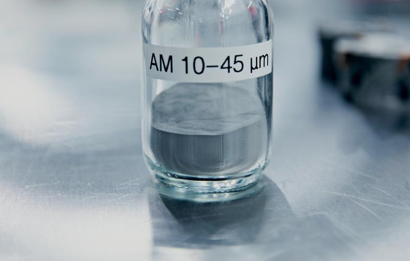Le proprietà delle polveri metalliche influenzano direttamente l'affidabilità delle prestazioni nel processo AM, nonché la qualità e le prestazioni del prodotto finito.
