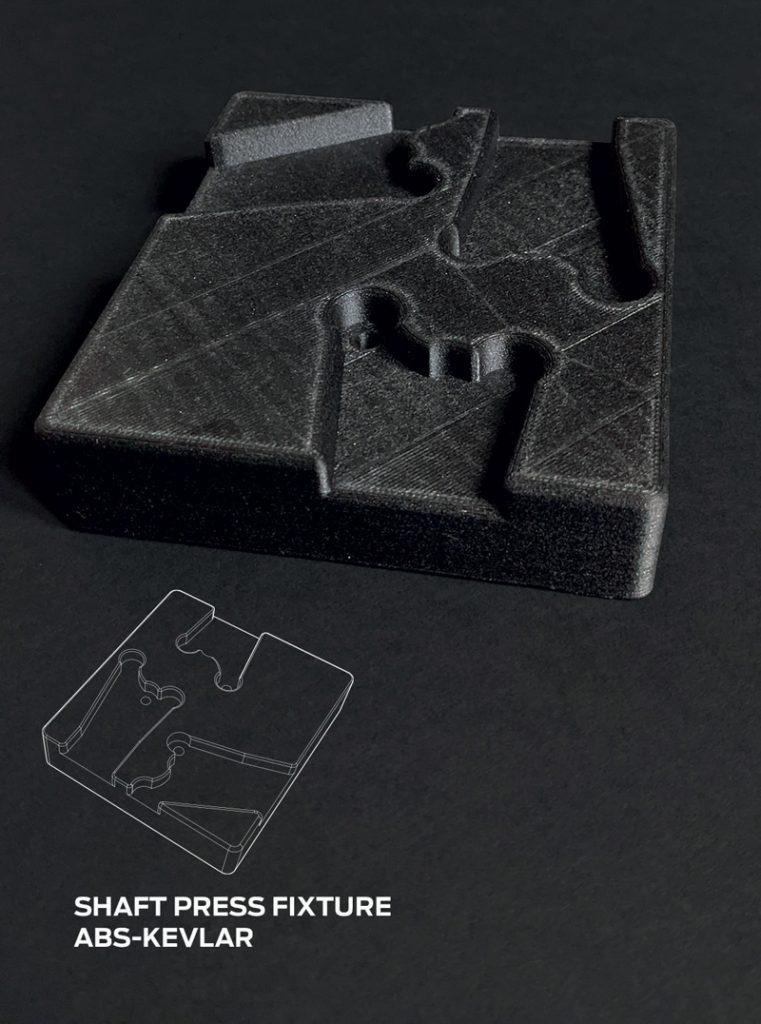 Componente stampato in 3D con Kimya ABS Kevlar.