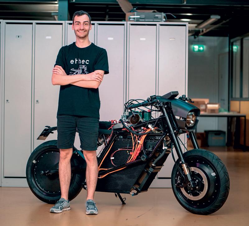 Tobias Oesch, Responsabile tecnico del progetto ETHEC city, è convinto che le moto svolgeranno un ruolo significativo nella mobilità elettrica del futuro.