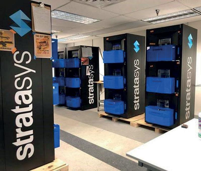 Torri di stampanti 3D Continuous Build presso la sede di Stratasys Labs.