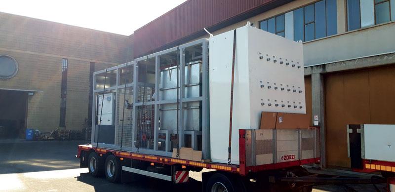 The shipment  of the cooling system to equip an Idra die casting machine in Brazil La spedizione dell'impianto di raffreddamento destinato a equipaggiare una macchina per pressocolata Idra in Brasile