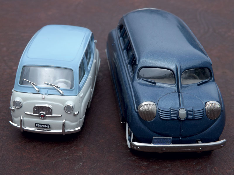 Comparison of two scale reproductions of Stout Scarab (1936) and Fiat 600 Multipla (1956-1969), forerunners of modern minivan models