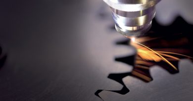Una soluzione compatta per il taglio laser in fibra