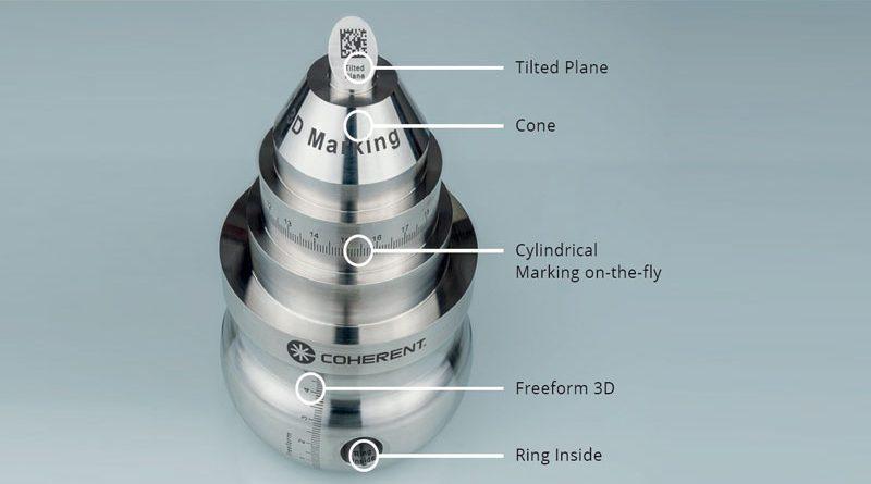 """1. Il nuovo approccio """"intelligente"""" consente di marcare praticamente su qualsiasi forma o orientamento della superficie, anche all'interno di fori e inserti. Questi esempi su acciaio inossidabile utilizzano il metodo di marcatura nero coerente basato su laser a impulsi ultracorti."""