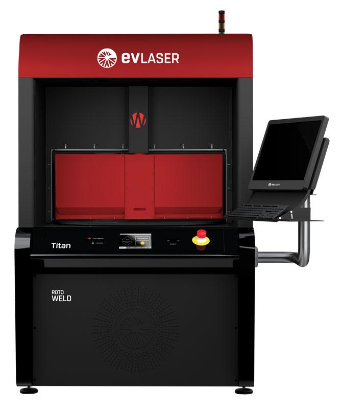 Titan Weld di EVLASER può alloggiare sorgenti laser a diodi a 980 nm da 50 a 400 w oppure fibre ottiche a 1.030 nm da