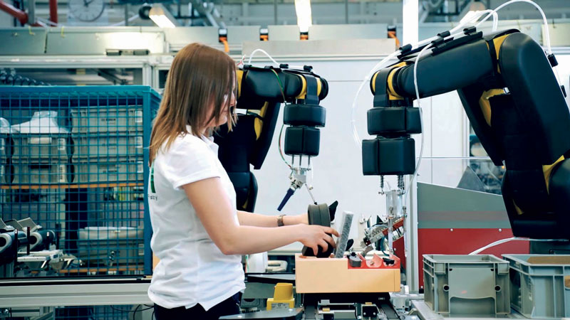 APAS Assistant is a class 3 collaborative robot that senses the presence of the operator from 5 to 10 cm away.