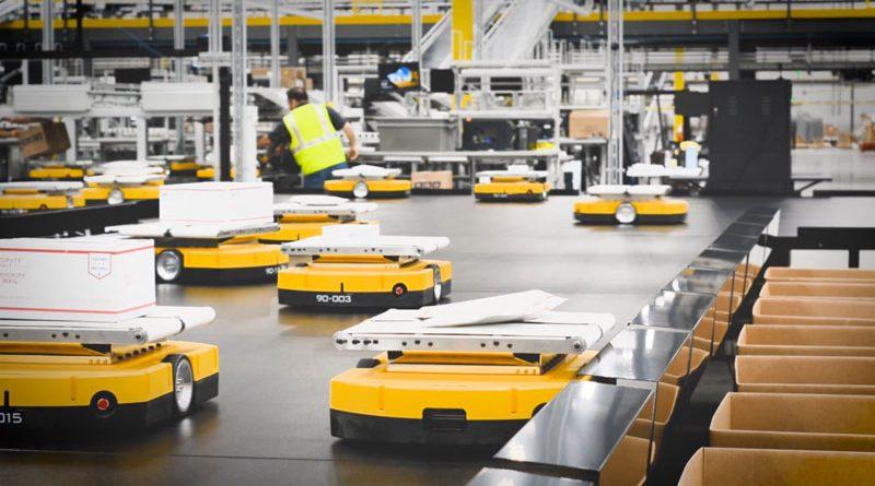 Gli AMR Mini Yellow di LiBiao Robot sono stati realizzati per lo smistamento.