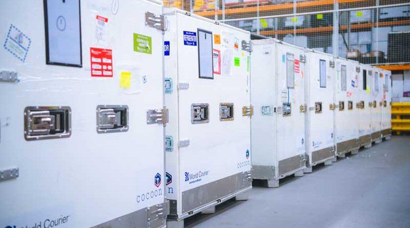 DELO utilizza le unità Cocoons della World Courier per il trasporto di adesivi.