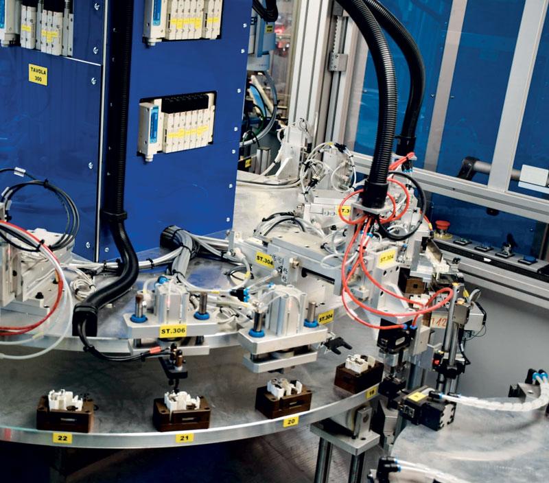 BAI aiuta le aziende ad automatizzare i processi produttivi, con soluzioni su misura e disegnate sulle loro esigenze.