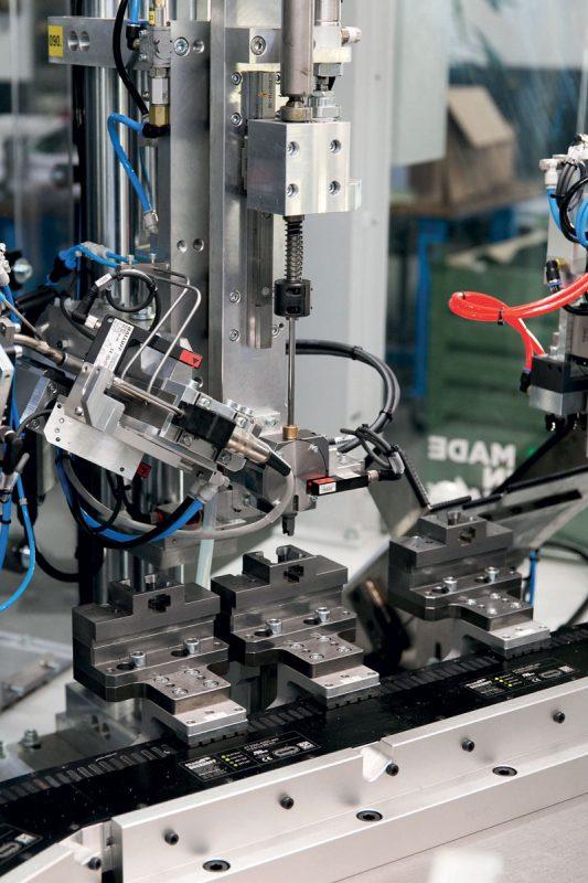 È possibile gestire più modelli di prodotto sulla stessa macchina con lotti più piccoli.