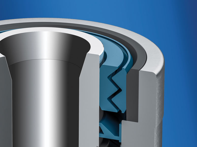 Labyrinth and shaft seals guarantee a long protection against contamination.