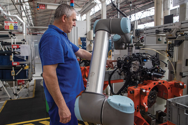 The cobots integrated by BWIndustrie perform various tasks.