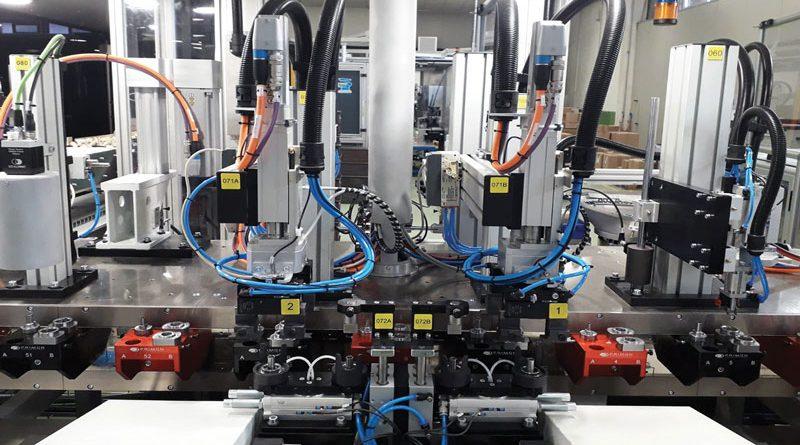 L'assemblaggio punta sull'automazione elettrica
