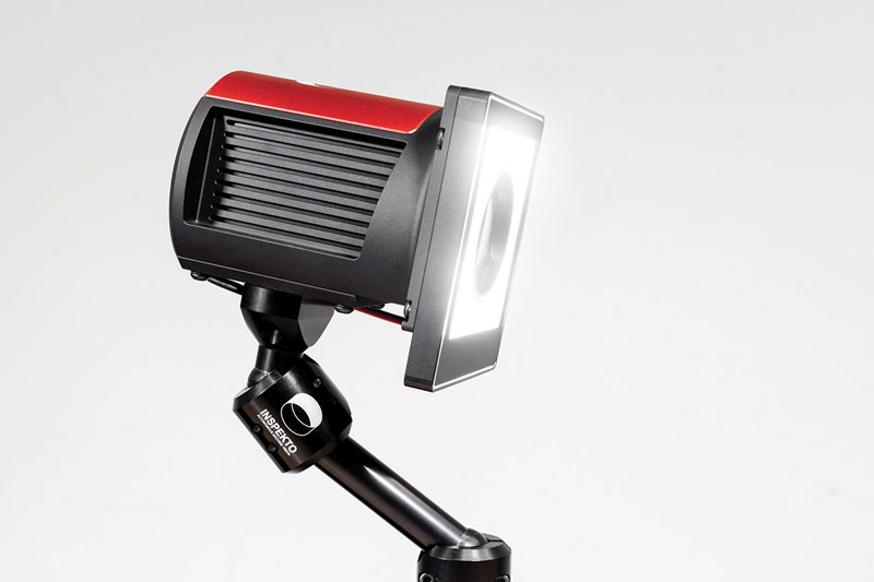 Inspekto S70 automatically adapts the camera parameters to the external conditions.