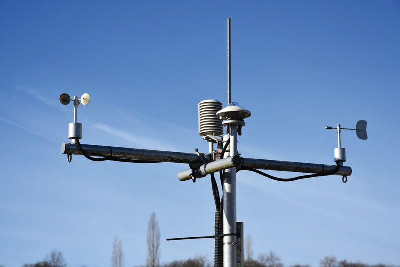 Solar or wind-powered rechargeable batteries are suitable for weather stations.