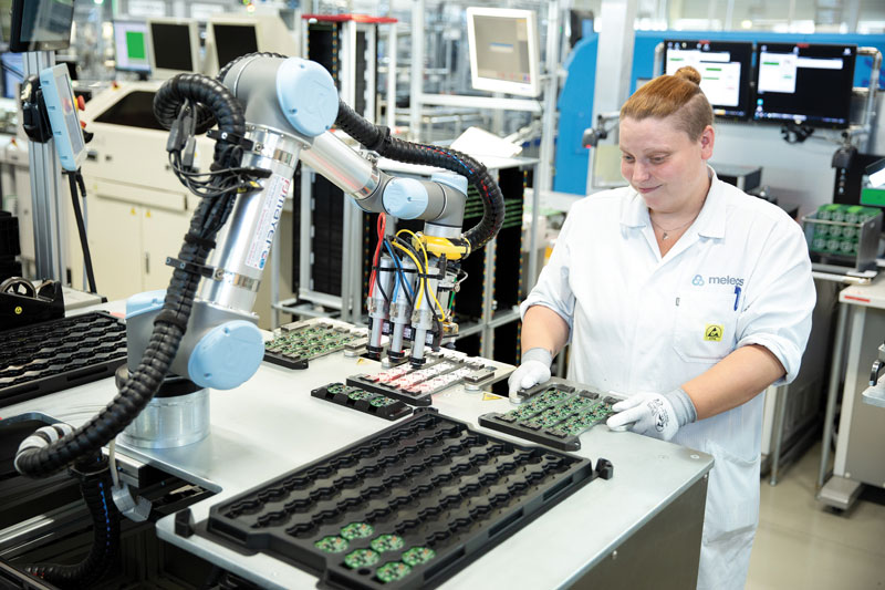 Universal Robots associates the concept of safety with the one of collaboration.