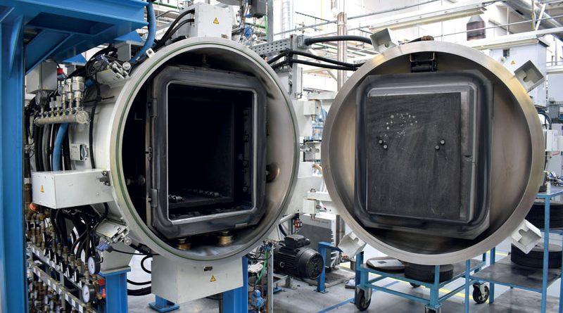 Il forno di sinterizzazione di Dormer Pramet nello stabilimento degli utensili a fissaggio meccanico.