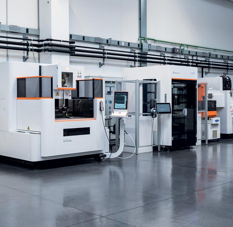 All'interno del Centro Tecnologico sono presenti sia macchine che sistemi di automazione a marchio System 3R.