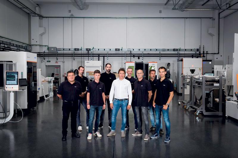 Il team di tecnici applicativi di GF Machining Solutions, con al centro Andrea Romanini, Key Account Manager e Head of Technical Solutions della filiale italiana di GF Machining Solutions.