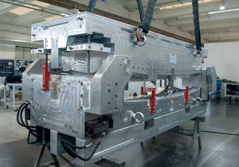 Pagani costruisce stampi ad iniezione per poliuretani/telene/baydur.