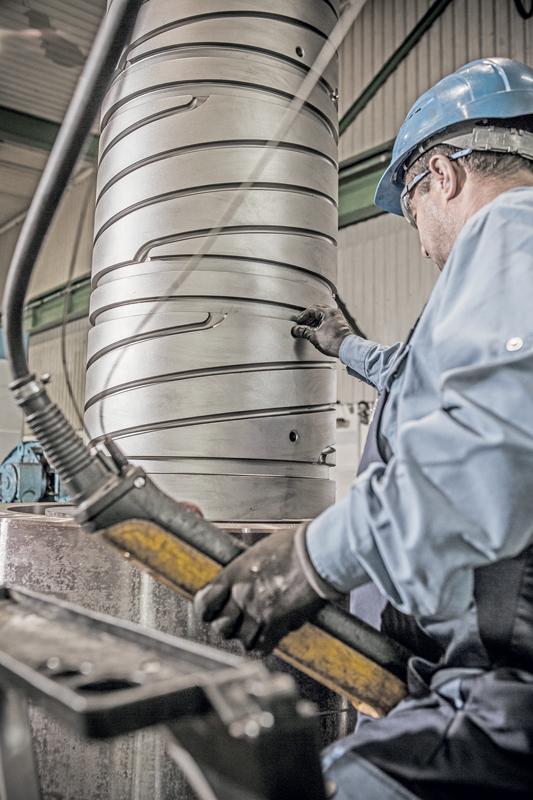 x Kind & Co è attiva nel settore dell'acciaio per utensili, in particolare degli acciai per utensili a caldo e acciai resistenti alle alte temperature.