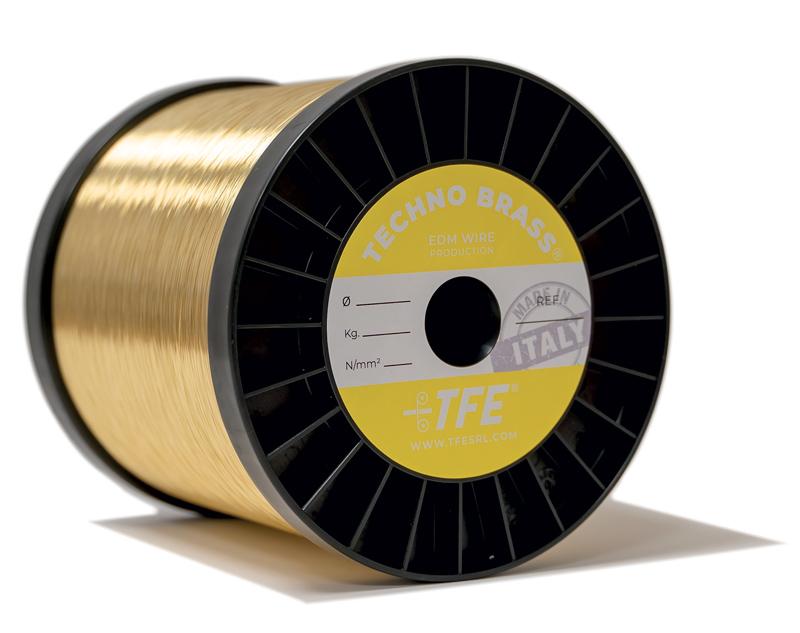 Techno Brass è un filo non rivestito, la cui lega è il risultato di una lunga e mirata ricerca metallurgica da parte di T.F.E.