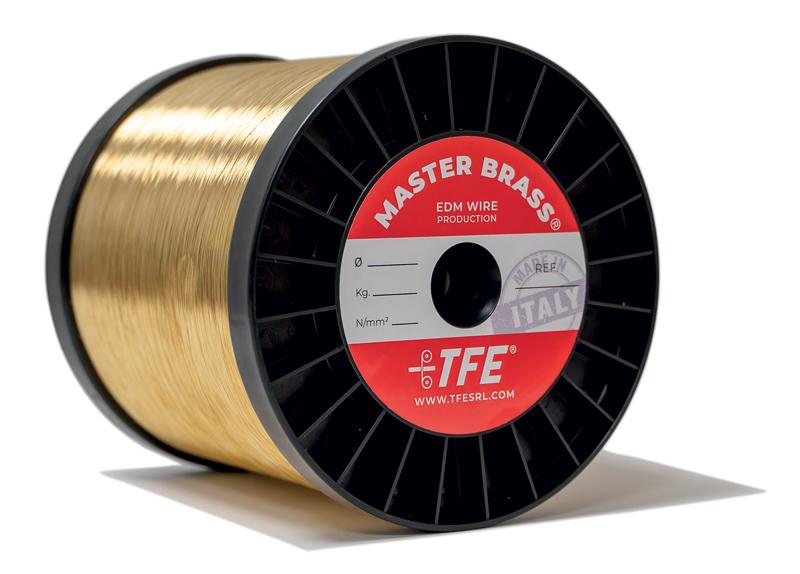 Master Brass è un filo di ottone indicato per qualsiasi tipo di lavorazione, che consente un taglio uniforme e di massima precisione anche per tagli di elevata conicità.
