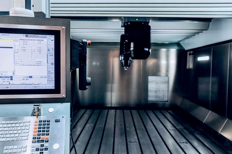 Manutenzione predittiva, assistenza da remoto, sensorizzazione, data analisi, robotica collaborativa, automazione, servitizzazione, interconnessione, intelligenza artificiale saranno alcuni dei temi tecnologici presenti nei padiglioni di EMO MILANO 2021 che dedicherà un progetto speciale al mondo digitale.