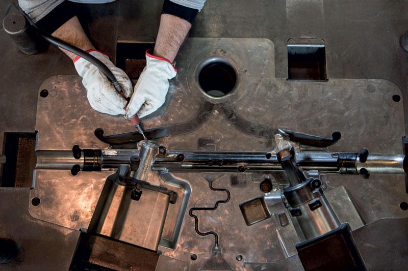 EDiM è un'azienda brianzola che opera nel settore della pressofusione e delle lavorazioni meccaniche per grande industria e automotive.