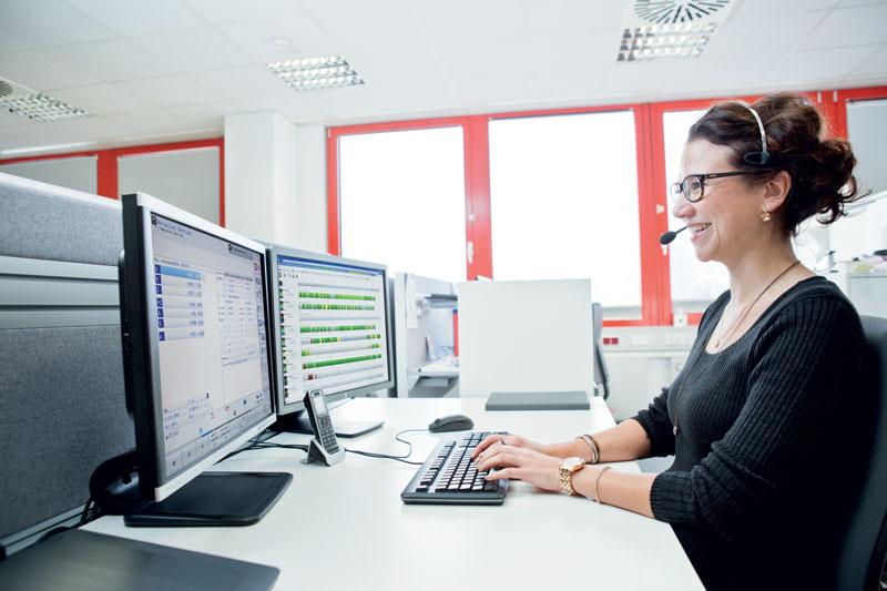 Nel caso si verifichi un problema con la macchina, grazie al servizio di Teleassistenza i tecnici Hermle possono collegarsi da remoto e intervenire direttamente sul CNC, identificando rapidamente la problematica.