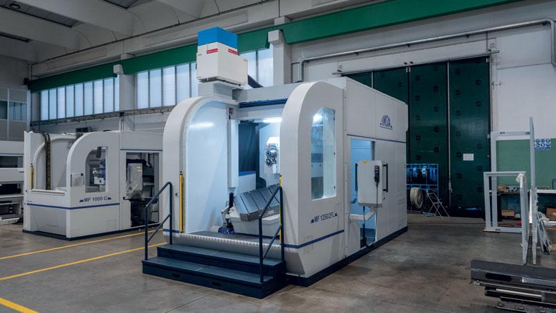 La macchina di foratura profonda e fresatura MF1250/2FL di I.M.S.A. raggiunge una profondità di foratura fino a 1.250 mm in ciclo unico per diametri da 4 a 25 mm dal pieno, fino a 32 mm in allargatura o dal pieno in materiali basso legati.