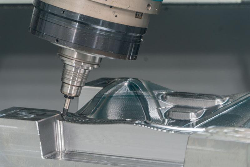 Lavorazione di uno stampo con utensile Mitsubishi Materials.