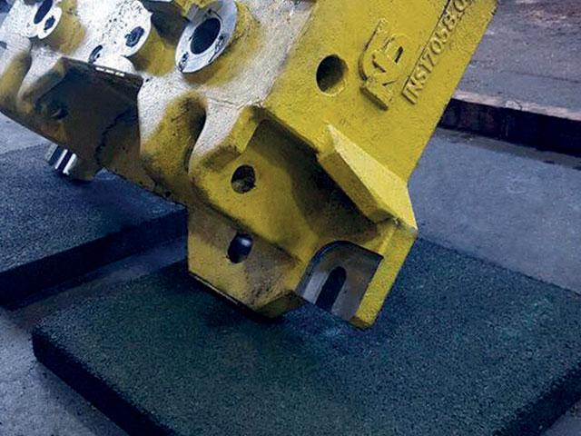 All'interno del portfolio prodotti Pedrotti è presente anche una lastra di sicurezza per la movimentazione sicura di stampi e attrezzature.