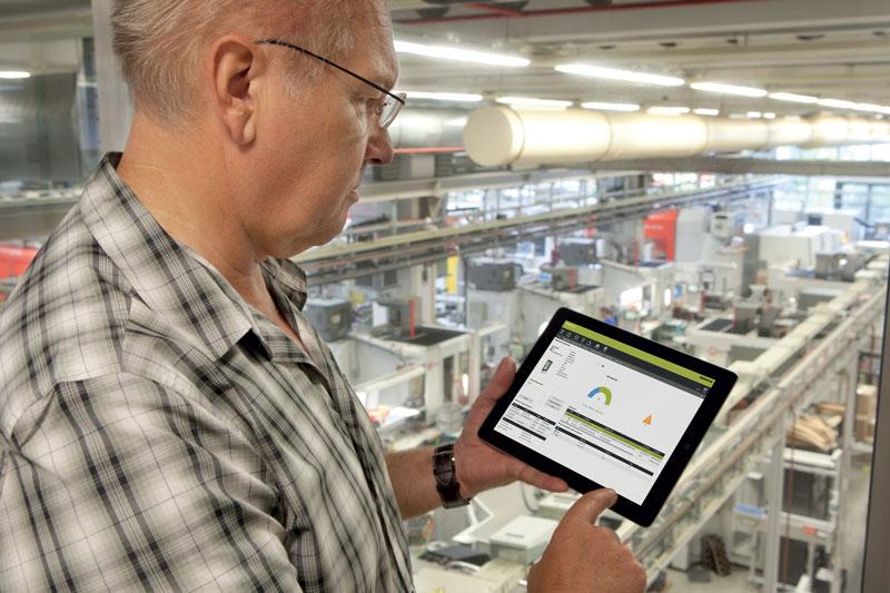 StateMonitor consente di consultare in tempo reale lo stato di produzione e di manutenzione delle macchine. Le informazioni raccolte costituiscono un valido supporto nei processi decisionali.