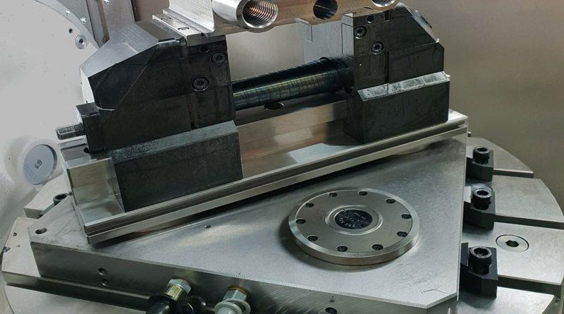 Dispositivi di serraggio stazionario dei pezzi