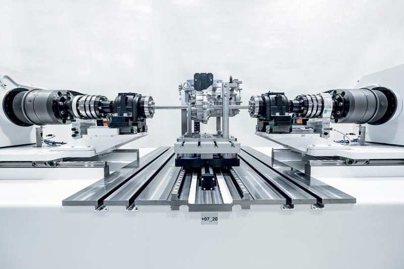 BLUM-NOVOTEST produce anche complessi banchi di prova per trasmissioni e alberi di trasmissione per l'industria automobilistica.