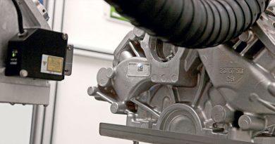 La cella di marcatura laser ha il cuore robotico