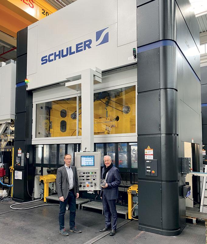 Alzner Automotive è stata in grado di raddoppiare la produttività della pressa MSD 630 utilizzando uno speciale stampo. ©Schuler