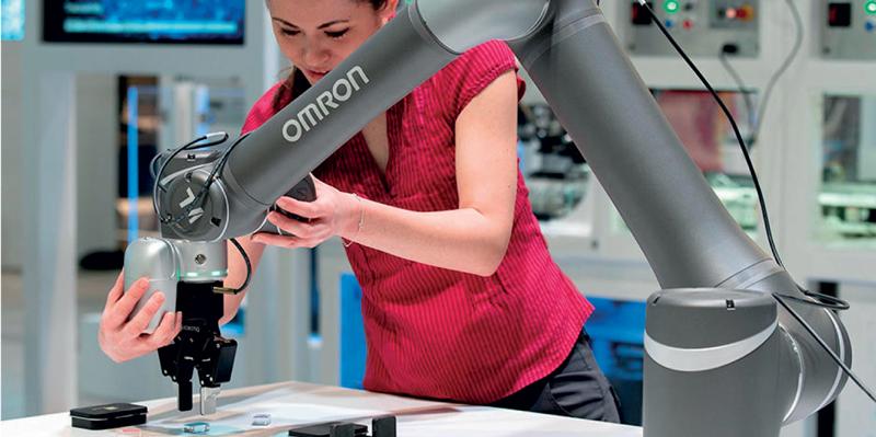 I cobot possono aiutare gli operatori nelle attività più ripetitive, faticose e che richiedono altissima precisione.