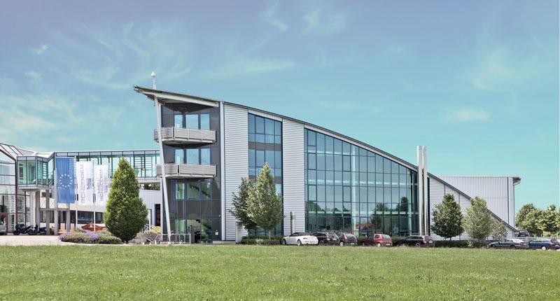 La Schröder Group comprende la Hans Schröder Maschinenbau GmbH con sede a Wessobrunn e la SCHRÖDER-FASTI Technologie GmbH con sede a Wermelskirchen in Germania.