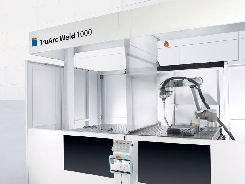 All'interno di TruArc Weld 1000 è presente un divisorio che può essere sollevato o abbassato per consentire di unire, o meno, l'area di lavoro e saldare un particolare di grande dimensione o più parti piccole (operazione a due stazioni).