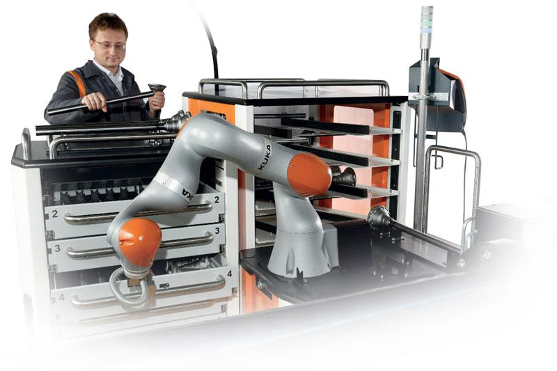 Con i cobot si può parlare di democratizzazione della robotica, ossia una robotica che non è più appannaggio dei grandi colossi industriali, ma una robotica che sia vicina alle PMI.