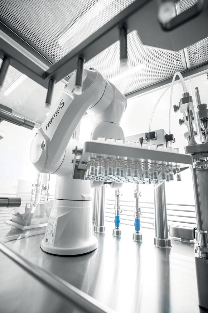 Stäubli ha una predilezione nell'utilizzo in ambito farmaceutico e medicale della robotica.