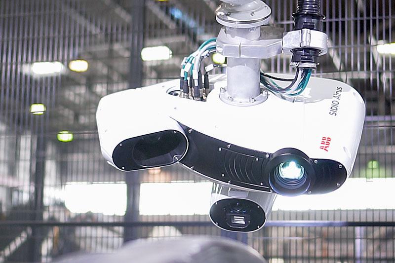 Il sensore può essere movimentato da qualsiasi robot con una capacità di carico superiore a 20 kg.