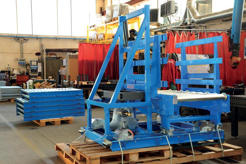 Il 65% del fatturato di Basano riguarda la produzione di rulliere folli, rulliere motorizzate, navette automatiche di trasporto e nastri trasportatori completi per la logistica industriale.