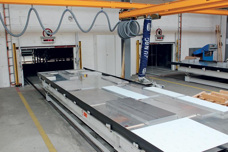 Grazie al sistema di stoccaggio automatico, AMCO beneficia di una maggiore produttività e di un rapido accesso a materiali e pezzi finiti.